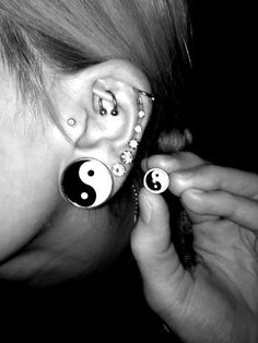 Dont like gauges but the other earrings are cute ^.^