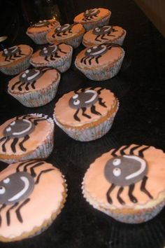 Halloween Cupcakes - Leave it to me