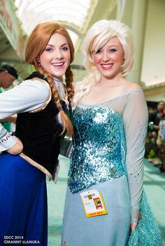 Elsa and Anna Frozen Cosplay - San Diego Comic Con 2014