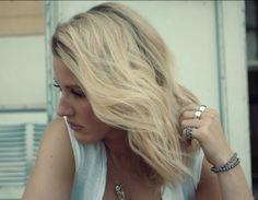 Ellie Goulding Why I got you on my Mind.