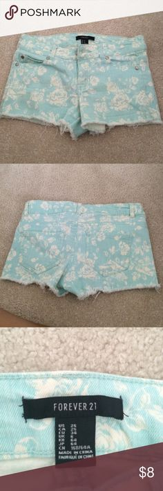 Forever 21 patterned denim shorts Good condition, waste size 25 (probably similar to 0) Forever 21 Shorts Jean Shorts
