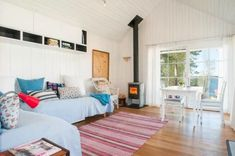 Tiny Bungalow by the Sea in Sweden 004