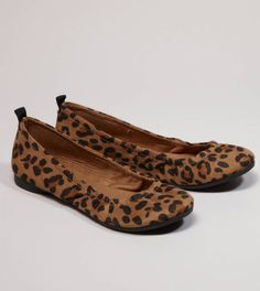 Show off your wild side in these ferocious AEO Leopard Print Ballet Flats