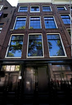 One of the most incredible places I've ever been - the Anne Frank House in Amsterdam. I know I'll never forget walking through the Annex, and then seeing Anne's actual diary! Everyone needs to experience this in their life. Oh The Places You'll Go, Places To Travel, Places To Visit, Dream Vacations, Vacation Spots, Amsterdam Houses, The Good Place, Beautiful Places, Around The Worlds