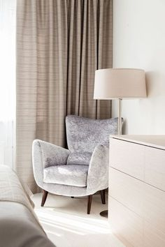 Comfortable Furniture For Bedroom has never been so Modest! Since the beginning of the year many girls were looking for our Amazing guide and it is finally got released. Now It Is Time To Take Action! See how... #interiors #homedecor #interiordesign #homedecortips Easy Home Decor, Home Office Decor, Home Decor Trends, Cheap Home Decor, Decor Ideas, New Interior Design, Interior Decorating Styles, Country House Interior, European Home Decor