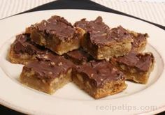 Easy to prepare turtle bars are scrumptious, chewy all-time favorite dessert treats. The pecans in these turtle bars give it a nutty flavor that goes great with the chocolate. Try our Pecan Pie Bars for another recipe that has that great nutty flavor. Cookie Desserts, No Bake Desserts, Just Desserts, Cookie Recipes, Delicious Desserts, Dessert Recipes, Baking Recipes, Cake Bars, Dessert Bars