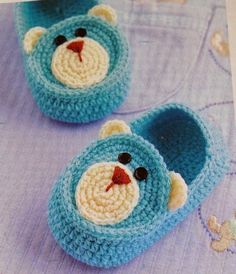 Knit Baby Booties Patterns – Knitting And We Knit Baby Booties, Booties Crochet, Crochet Baby Shoes, Crochet Baby Clothes, Love Crochet, Irish Crochet, Crochet For Kids, Crochet Granny, Crochet Crafts