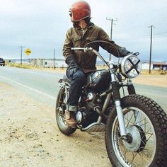 Curating the best bikes, brands and lifestyles of the motorcycle world Honda Scrambler, Scrambler Motorcycle, Honda Motorcycles, Cars And Motorcycles, Vintage Bikes, Vintage Motorcycles, Custom Motorcycles, Custom Bikes, Estilo Cafe Racer
