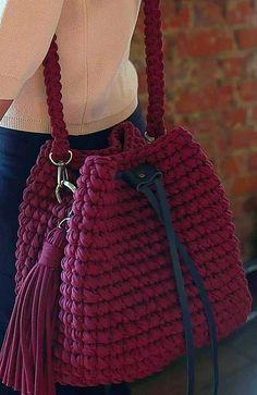 Trend Handbag, Shoulder Bag, Backpack and Market Bag Designs. Page 31 Popular Crochet Bag Models. Trend Handbag, Shoulder Bag, Backpack and Market Bag Designs. Crochet Handbags, Crochet Purses, Crochet Bags, Easy Crochet, Free Crochet Bag, Crochet Designs, Crochet Patterns, Knitting Designs, Knitting Patterns