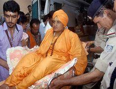भोपाल,  मध्यप्रदेश के उज्जैन में हो रहे सिंहस्थ में जाने की मांग को लेकर दो दिन तक अनशन पर बैठीं रहीं साध्वी प्रज्ञा सिंह ठाकुर कुछ देर