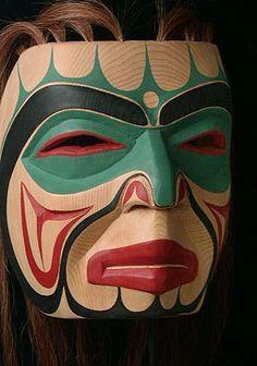 Haida mask The Haida people are an indigenous people of British Columbia, Canada and British North America Haida Kunst, Arte Haida, Haida Art, Native American Masks, American Indian Art, Arte Tribal, Tribal Art, Native Indian, Native Art