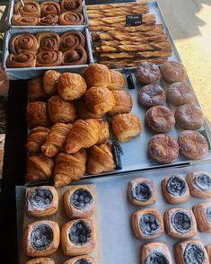 My kind of bakesale - Sandwich Bar, Strawberry Cakes, First Bite, Oui Oui, Aesthetic Food, Love Food, Bakery, Food Porn, Tasty