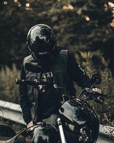 Harley Davidson News – Harley Davidson Bike Pics Bobber Motorcycle, Bobber Chopper, Motorcycle Outfit, Motorcycle Garage, Harley Davidson Road Glide, Harley Davidson Sportster, Bike Style, Moto Style, Simpson Helmets