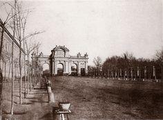 .Calle y Puerta de Alcalá.1852.