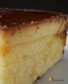 Flan with yellow cake Sweet Recipes, Cake Recipes, Dessert Recipes, Flancocho Recipe, Tortas Light, Venezuelan Food, Venezuelan Recipes, Cheesecake, Best Dishes