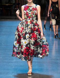 Dolce And Gabbana Spring 2016 Milan Fashion Week 2017