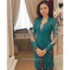 43 Best Kebaya Orang Tua Images In 2017 Kebaya Dress Kebaya