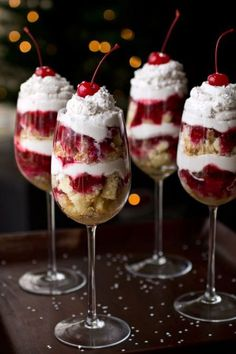 NYE Party Ideas - strawberry shortcake in a champagne glass
