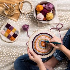 Diy Crafts : Illustration Description Let your crafts be full of texture with punch needle embroidery! Yarn Crafts, Sewing Crafts, Diy And Crafts, Punch Needle Patterns, Knitting Blogs, Craft Day, Punch Art, Diy Embroidery, Rug Hooking