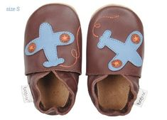 chaussons bébé soft sole 'chocolate plane'