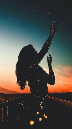 Wallpaper girl with sky night sunset background Wallpaper girl with sky night sunset background - Photography a Little Fun Tumblr Wallpaper, Wallpaper For Girls, Mobile Wallpaper, Beautiful Wallpaper For Phone, Phone Wallpapers Tumblr, Screen Wallpaper, Images Cools, Amazing Photography, Nature Photography