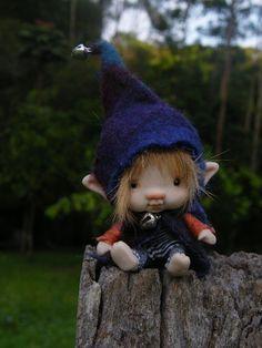 Sweet just inches tiny elf fairy fairie boy posable Clay Fairies, Flower Fairies, Troll Dolls, Fairy Dolls, Fairy Tree Houses, Cute Fantasy Creatures, Pixie, Dream Fantasy, Fairy Crafts