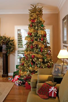 28 Festive Christmas Tree Decorating Ideas
