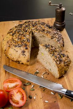RECEPTY: Domácí chléb a pečivo Bagel, Banana Bread, Desserts, Food, Tailgate Desserts, Deserts, Essen, Postres, Meals