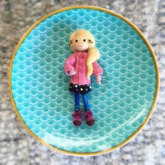 That little doll is Luna Lovegood! She's so small and I've just added the finishing touches to her, the tea saucer is a size reference. Luna Lovegood, Little Doll, Tinkerbell, My Drawings, Tea, Dolls, Disney Princess, Disney Characters, Baby Dolls
