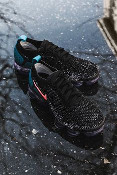 Nike Air Vapormax Flyknit Nike Basketball Shoes, Running Shoes Nike, Nike Shoes, Nike Vapormax Flyknit, Sneakers Nike, Sneakers Fashion, Fashion Shoes, Nike Air Vapormax, Sneaker Games