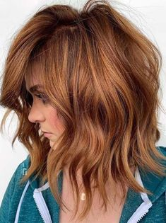 Medium Hair Cuts, Medium Hair Styles, Curly Hair Styles, Ombré Hair, Wavy Hair, Red Hair Bangs, Red Bob Hair, Wavy Lob, Fine Hair