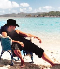 KENNY CHESNEY...old blue chair...one of my favorite songs!