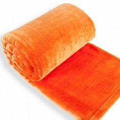 Mäkká, jemná a príjemná na dotyk deka zo zbierky Soft. Dostupná v rozmere 150x200 cm v širokej škále farieb.
