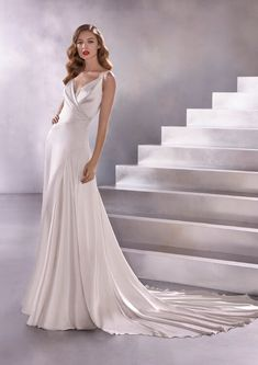 Wedding Dress BIG BANG by Pronovias - Search our photo gallery for pictures of wedding dresses by Pronovias. Find the perfect dress with recent Pronovias photos. Big Wedding Dresses, Wedding Dress Pictures, Bridal Dresses, Gown Wedding, Maggie Sottero, Tulle Ball Gown, Ball Gowns, Francesca Miranda, Pronovias Wedding Dress