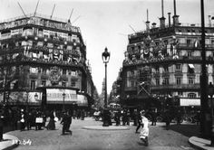 Galeries Lafayette, Paris, 1914 - photographs of Paris - Wikimedia Commons Galerie Lafayette Paris, Galeries Lafayette, Back In Time, Old City, Belle Epoque, Paris France, Louvre, Street View, History