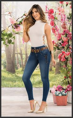 Girly Girl Outfits, Cute Outfits, Tight Dresses, Sexy Dresses, Sexy Jeans, Skinny Jeans, Frauen In High Heels, Moda Chic, Fashion Outfits