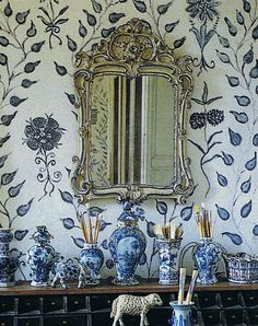 """A free-form wall painted by Lillian William. Her painting tip """"If you're not fast it doesn't work… the minute it gets refined it loses its charm"""" Love Chinoiserie blue and white porcelains and Swedish Gustavian wallpaper or hand-painted wall Blue And White China, Love Blue, Blue China, New Blue, World Of Interiors, Blue Interiors, Delft, Hand Painted Walls, Paint Walls"""