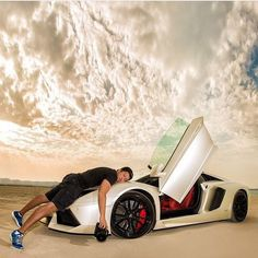 (Cred: thinkup luxury) Two's Company, Become A Millionaire, Bugatti Chiron, Le Web, Billionaire, Motivation, Super Cars, How To Become, About Me Blog