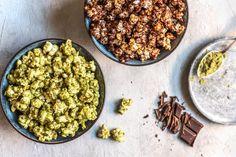 Matcha Popcorn. Who doesn't love a good bowl of popcorn? Skip the butter and add some of these cool seasonings (like Matcha!) to enhance the flavors. #matcha #popcorn #snack