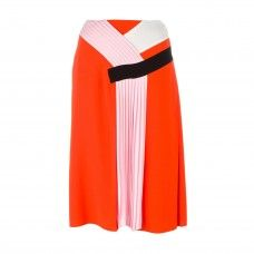 Travel Outfits For Any Destination: But anything is better than being in sub zero temps. Expose your gams in shin-grazing skirts and shoulder exposing tops for the ultimate confusing weather outfits. — EMILIO PUCCI   pleated detail skirt | coveteur.com