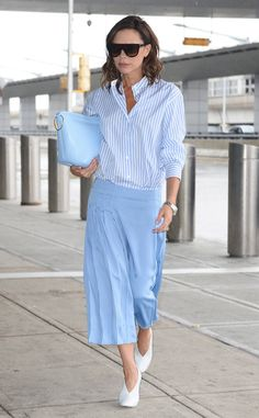 Victoria Beckham from The Big Picture: Today's Hot Photos  The style guru does not disappoint while catching a departing flight in NYC.