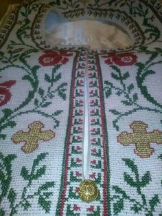 Embroidery, Rugs, Home Decor, Farmhouse Rugs, Needlepoint, Decoration Home, Room Decor, Home Interior Design, Rug