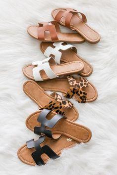 Sandals Outfit, Cute Sandals, Fashion Sandals, Cute Shoes, Strap Sandals, Fashion Boots, Me Too Shoes, Shoes Sandals, Shoes Sneakers