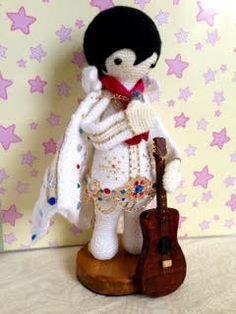 Elvis mod made by Paula D. / based on Vlad the vampire crochet pattern by lalylala