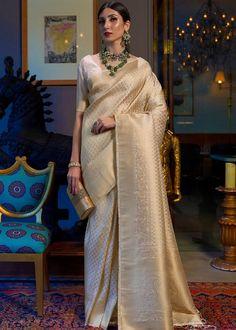 Indian Bridal Sarees, Designer Silk Sarees, Designer Dresses, Soft Silk Sarees, Traditional Sarees, Banarasi Sarees, Party Wear Sarees, Beautiful Saree, Saree Wedding