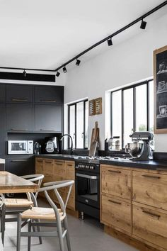 Wood cabinets- Material & Stain Wohnung Wood cabinets- Material & Stain Wohnung The post Wood cabinets- Material & Stain Wohnung appeared first on Wood Diy. Home Decor Kitchen, Kitchen Interior, New Kitchen, Kitchen Ideas, Kitchen Wood, Kitchen Backsplash, Loft Kitchen, Kitchen Industrial, Kitchen Modern