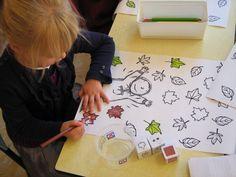 * Blaadjes kleuren aan de hand van een kleuren- cijferdobbelsteen! Autumn Day, Autumn Theme, Autumn Leaves, Games For Kids, Diy For Kids, Crafts For Kids, Teaching Art, Fall Crafts, Preschool