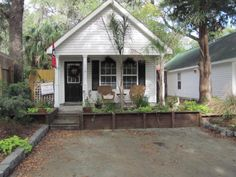 Little shotgun cottage on St.Simons-  maybe my dream will come true!!!!!!!!