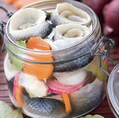 Salty, pickled, smoked fish is easy! Swedish Recipes, Russian Recipes, Good Food, Yummy Food, Smoked Fish, Shellfish Recipes, Romanian Food, Food Staples, Fish And Seafood