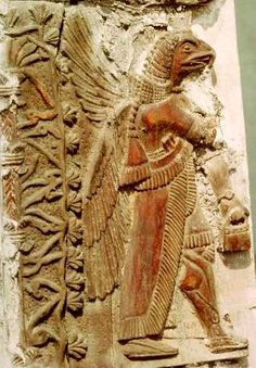Nephilum of Nebiru; the other planet lands in Sumer, bringing in the handbag/tablet of destinity. The way they wear a watch is weird though